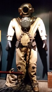 Salvage suit